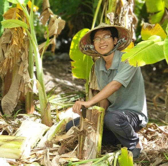 Chàng trai đi lan tỏa thông điệp làm vườn thuận tự nhiên